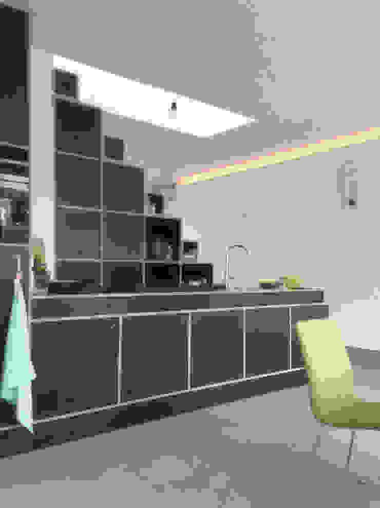 modern  by architectenbureau Huib Koman (abHK), Modern