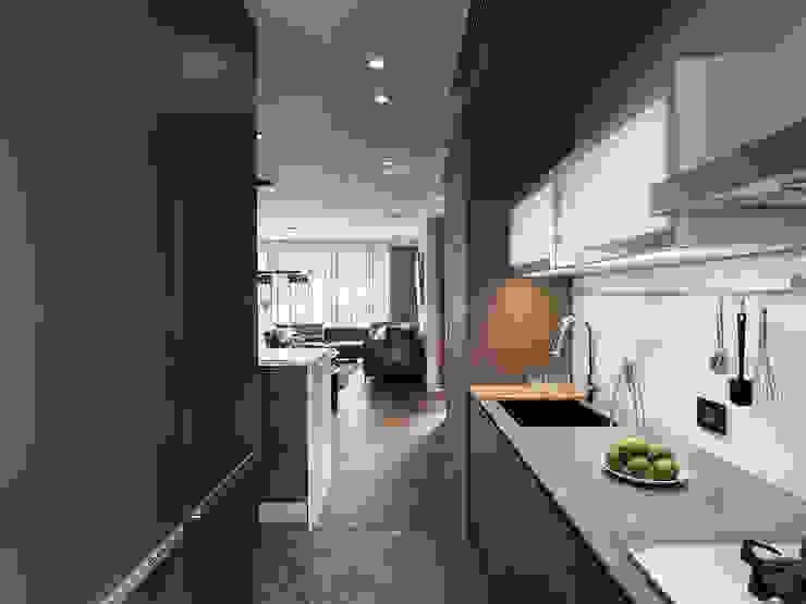 山.嵐 現代廚房設計點子、靈感&圖片 根據 木皆空間設計 現代風