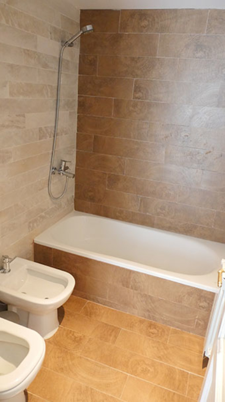 Classic style bathroom by Isabel Amiano Arquitectura Classic