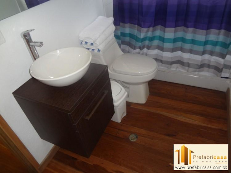 Country style bathrooms by PREFABRICASA Country