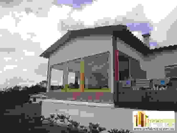 Casa Prefabricada en Bogota Casas de estilo clásico de PREFABRICASA Clásico