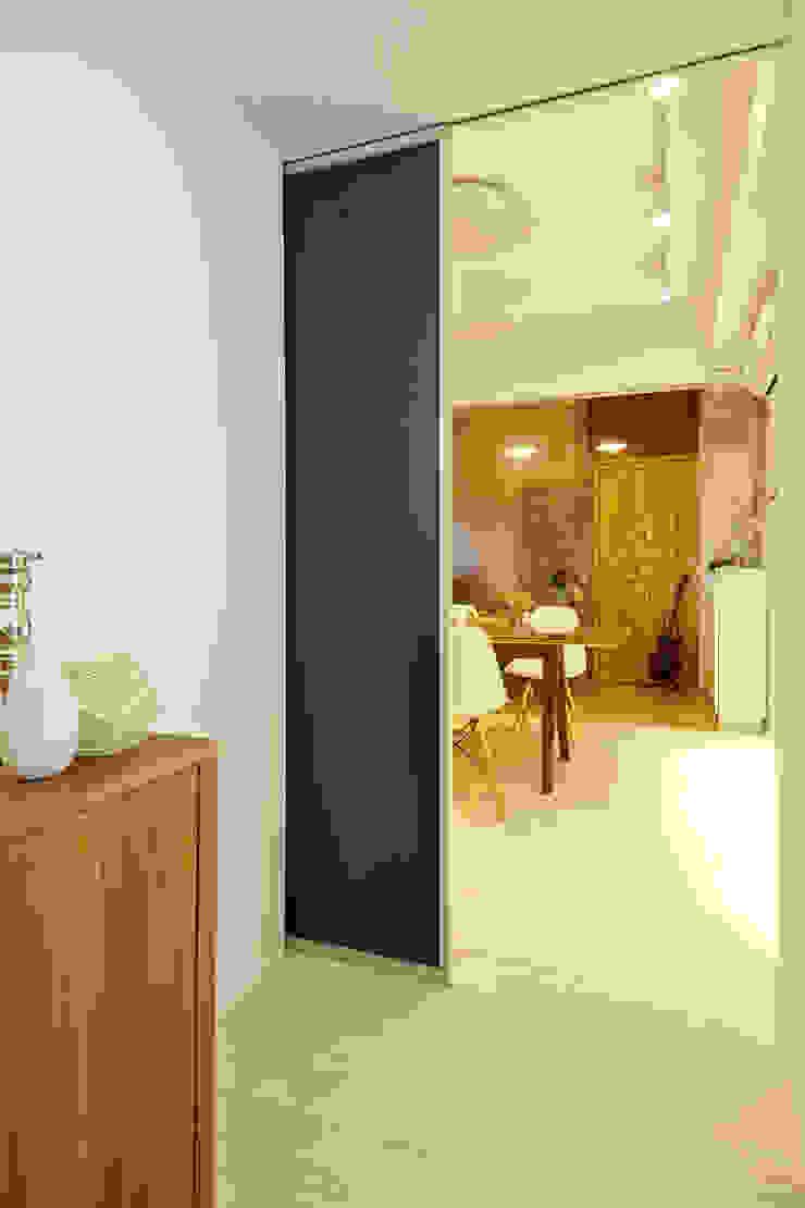 Industrial style dining room by 双設計建築室內總研所 Industrial