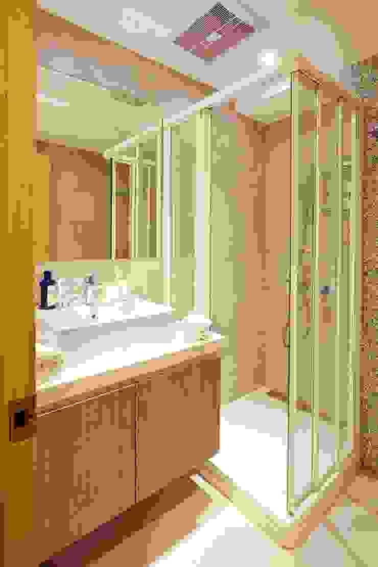 Scandinavian style bathroom by 双設計建築室內總研所 Scandinavian