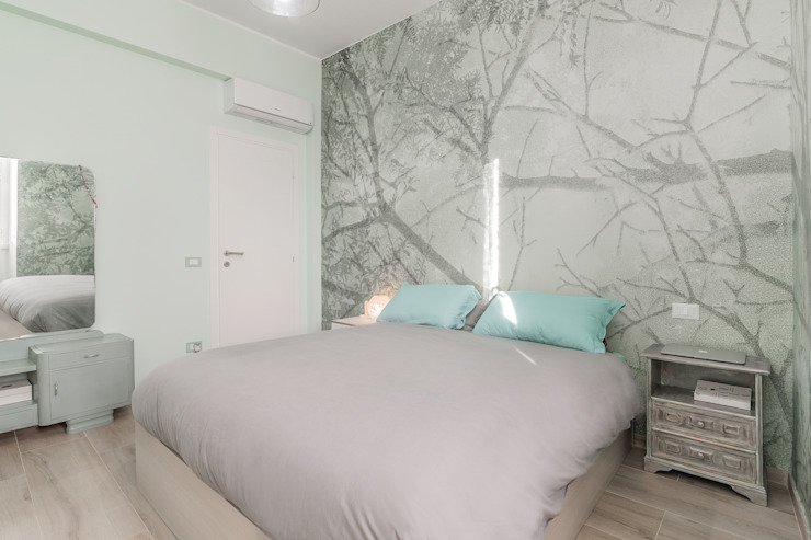 Modern style bedroom by Facile Ristrutturare Modern