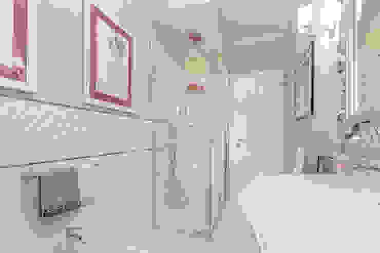 Classic style bathroom by Facile Ristrutturare Classic