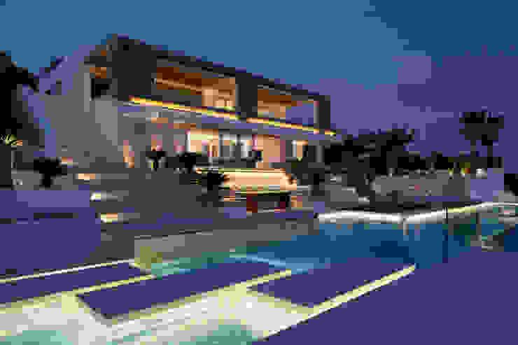 Roca Llisa:  Houses by ARRCC, Modern