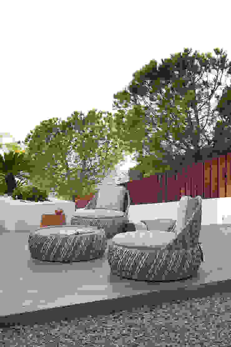 Roca Llisa by ARRCC Modern