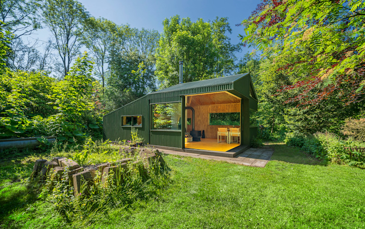 Thoreau's Cabin Country style house by cc-studio Country Aluminium/Zinc