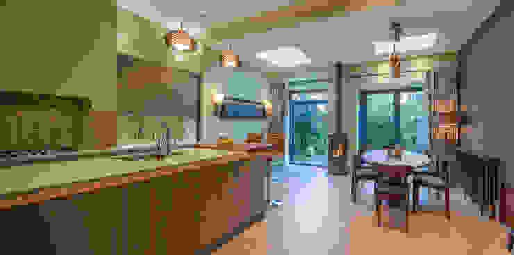 Cocinas de estilo moderno de Chameleon Designs Interiors Moderno Cobre/Bronce/Latón