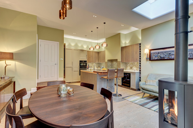 Creating a Sociable Kitchen Modern Dining Room by Chameleon Designs Interiors Modern Copper/Bronze/Brass