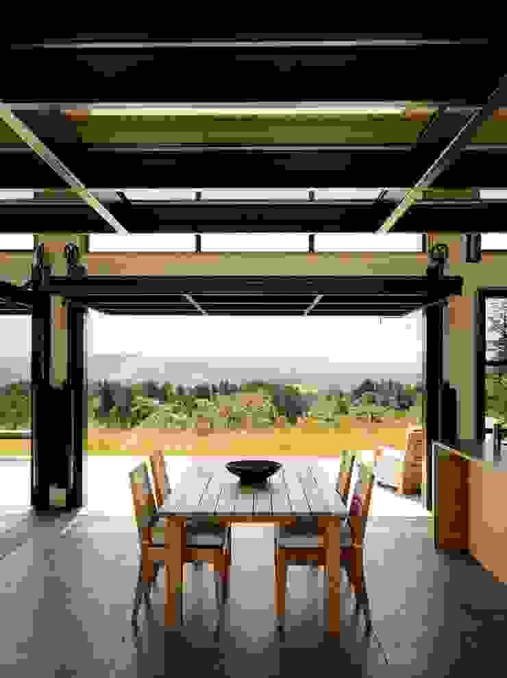 Healdsburg I Modern Dining Room by Feldman Architecture Modern