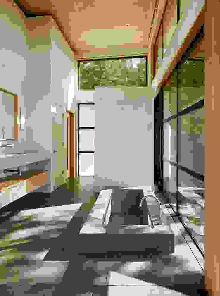 Healdsburg I Modern Bathroom by Feldman Architecture Modern