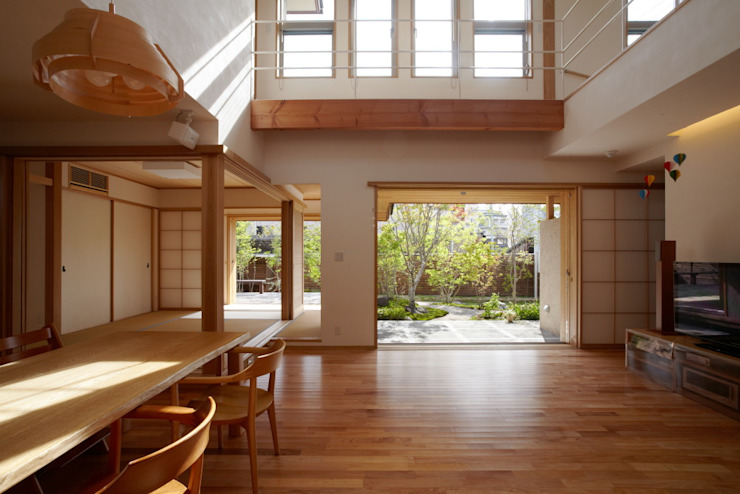 stage Y's 一級建築士事務所 Modern living room Wood White