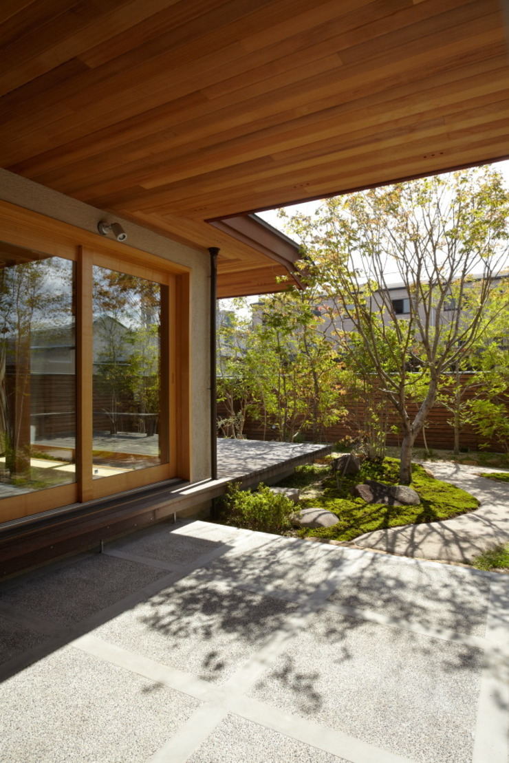 stage Y's 一級建築士事務所 Modern houses Wood White