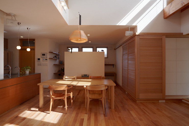 stage Y's 一級建築士事務所 Modern dining room Wood White