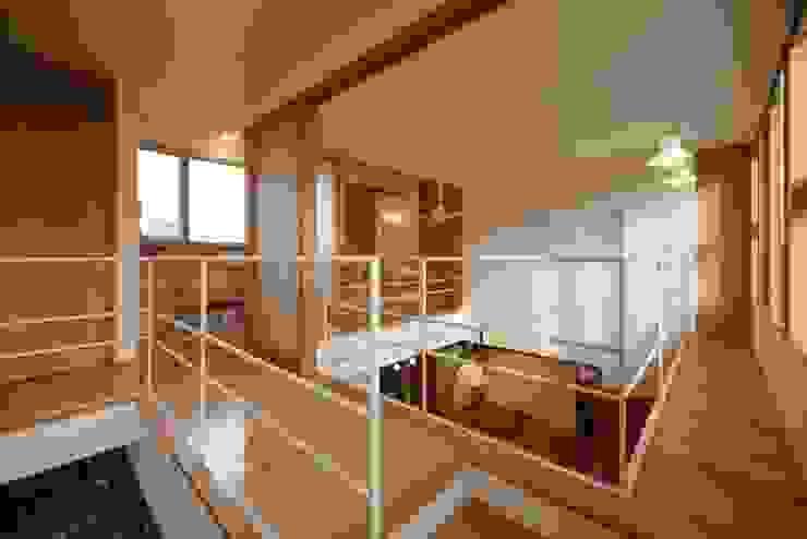 stage Y's 一級建築士事務所 Modern media room Wood White