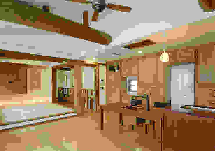 stage Y's 一級建築士事務所 Modern kitchen Wood White