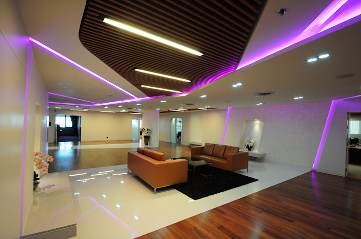 BAM's Exclusive Pre Function ห้องโถงทางเดินและบันไดสมัยใหม่ โดย JustSpace Design Studio โมเดิร์น