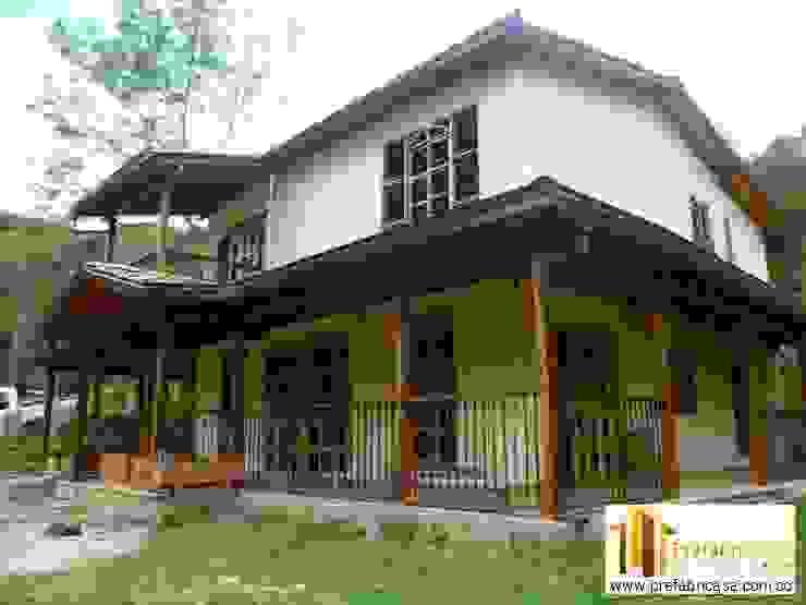 Casa pre fabricada en bogotá 2: Casas de estilo  por PREFABRICASA , Moderno
