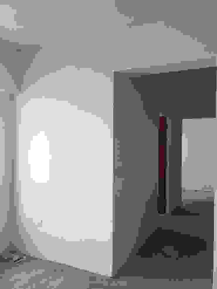 Living room wall: scandinavian  by Singapore Carpentry Pte Ltd,Scandinavian