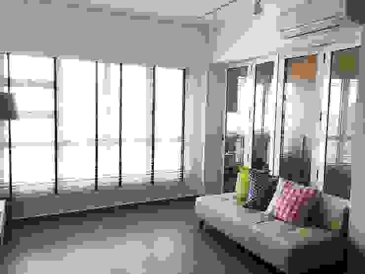 Living area Scandinavian style living room by Singapore Carpentry Pte Ltd Scandinavian