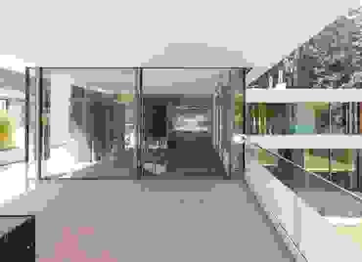 Burckhardt Metall Glas GmbH Balcones y terrazas de estilo moderno