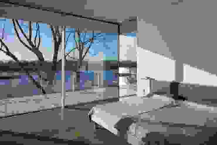 Burckhardt Metall Glas GmbH Puertas y ventanas de estilo moderno
