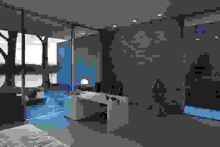 Burckhardt Metall Glas GmbH Estudios y despachos de estilo moderno