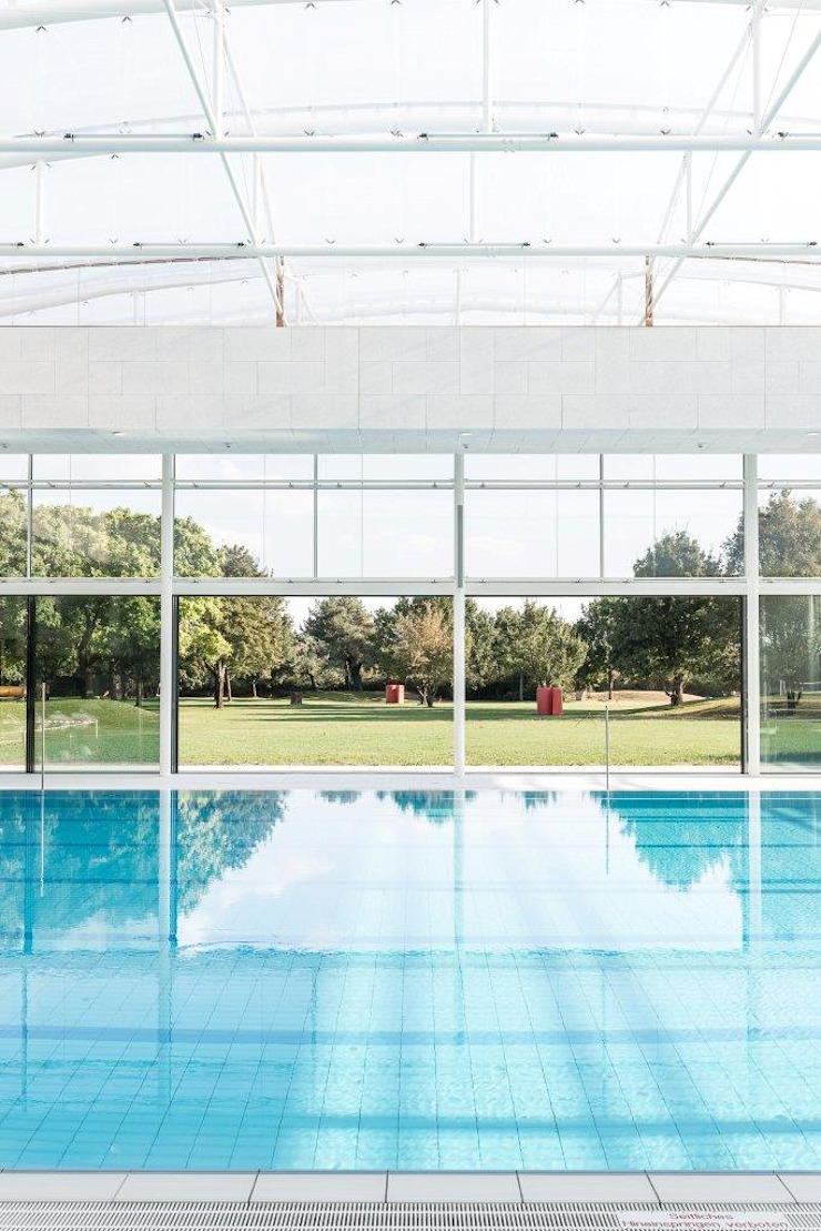 Burckhardt Metall Glas GmbH Modern pool