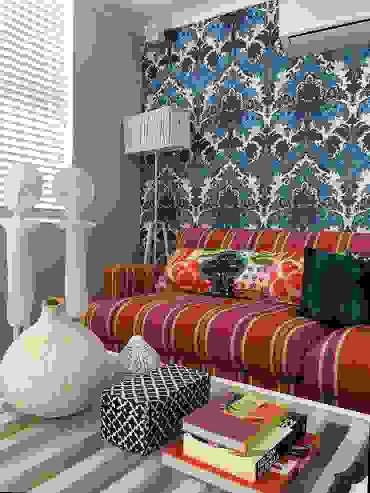 Multimedia room : mediterranean  by merdesign1, Mediterranean Flax/Linen Pink