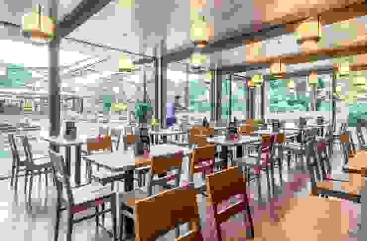 Burckhardt Metall Glas GmbH Modern dining room