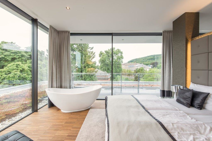 Burckhardt Metall Glas GmbH Modern style bedroom