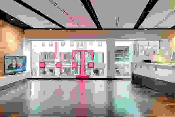 Burckhardt Metall Glas GmbH Modern windows & doors