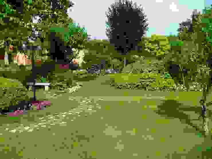Modern Garden by Quartiere Fiorito Modern