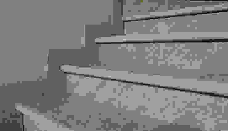 Pasillos, vestíbulos y escaleras clásicas de Arte Pietra Clásico Piedra