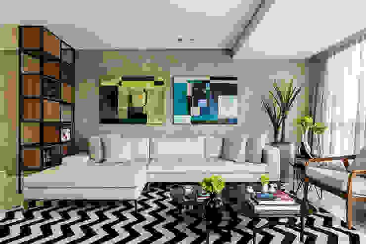 Modern living room by Carpaneda & Nasr Modern