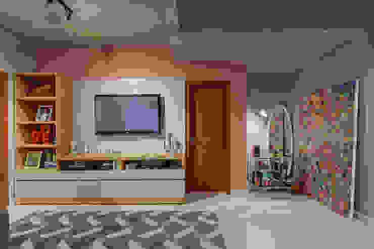 Ruang Keluarga Gaya Industrial Oleh Jacqueline Ortega Design de Ambientes Industrial