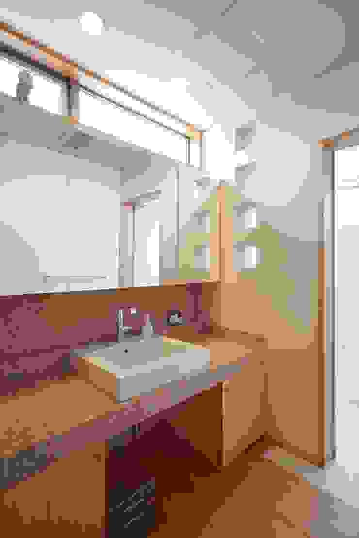 stage Y's 一級建築士事務所 Modern bathroom Tiles Beige