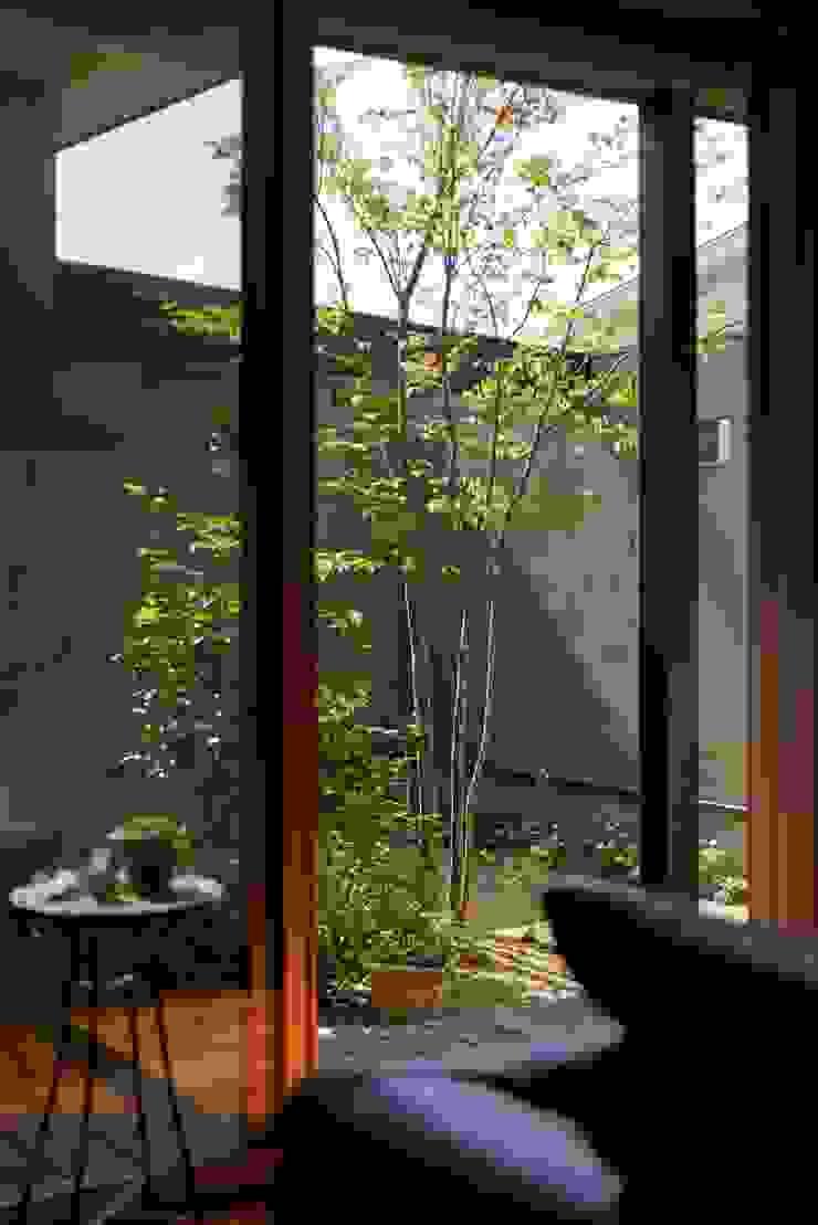 stage Y's 一級建築士事務所 Modern garden Wood Beige