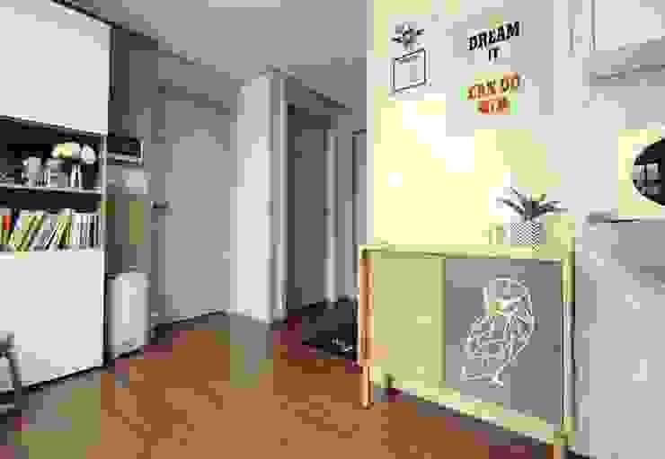[홈라떼] 기존 가구 활용해 아늑한 집 꾸미기 - 주방 미니멀리스트 주방 by homelatte 미니멀