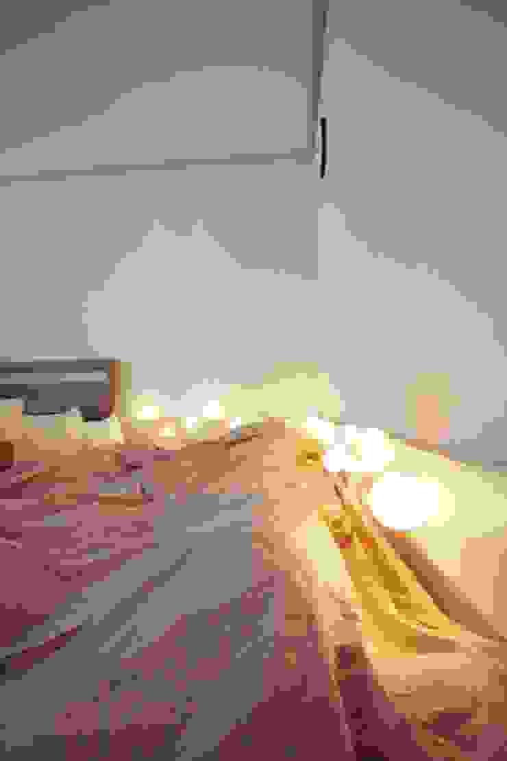 [홈라떼] 기존 가구 활용해 아늑한 집 꾸미기 - 침실 미니멀리스트 침실 by homelatte 미니멀