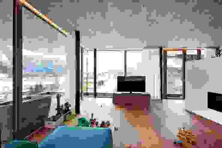 BESTO ZT GMBH_ Architekt DI Bernhard Stoehr Livings de estilo moderno