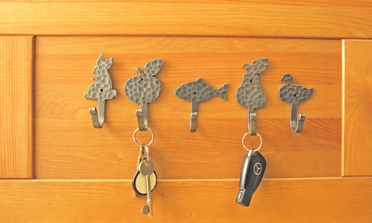 Hooks for keys or cups or for what ever you want... de Clayton Munroe Ecléctico Hierro/Acero