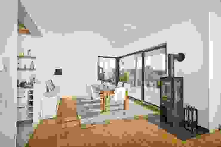 Modern living room by HunoldHaus Modern