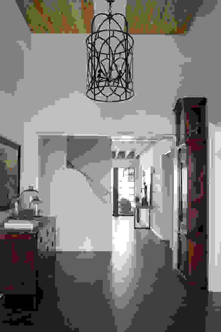 Christopher Architecture & Interiors สไตล์ผสมผสาน ทางเดินห้องโถงและบันได