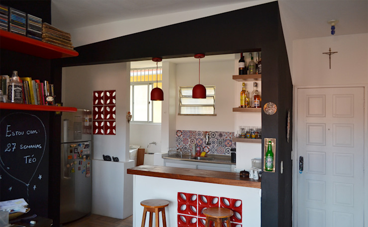Кухни в . Автор – Ladrilho Urbanismo e Arquitetura,