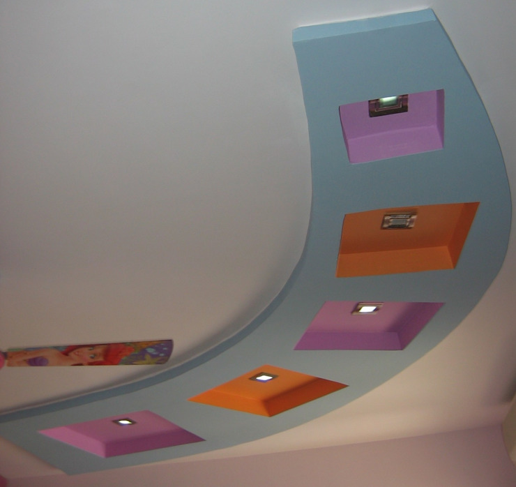 False ceiling Modern style bedroom by Bluebell Interiors Modern Plywood