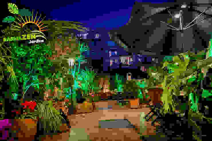 Iluminacion Led de exterior Jardines modernos: Ideas, imágenes y decoración de Barnazen Moderno