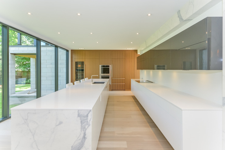 Rockcliffe Park Modern kitchen by Flynn Architect Modern