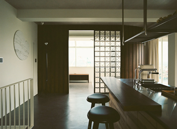 Kitchen Modern kitchen by 鄭士傑室內設計 Modern